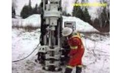 Small, agile and powerful, this mini sonic drill rig outperforms! - Video