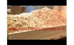 Wood branch /waste wood root /waste wood saw dust making machine Video