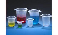 Globe Tri-Corner - Tri Pour Plastic Beakers