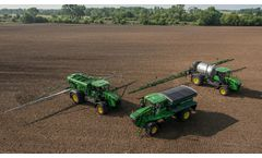 John Deere introduces new 800R Floater with air boom, updated dry spinner-spreader and liquid systems