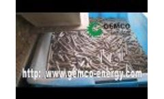 Small ring die pellet mill for wood and sawdust  - Video