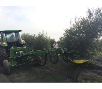 Harvester for olives, nuts, cherries, plums with trunk shaker (equipped with or without umbrella)-1