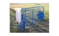 Durebol - Flip-Bar Farrowing Crate