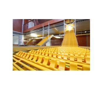 Jansen Poultry FlexBelt - Poultry Egg Transport System