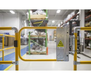 Kee-Safety - Self-Closing Safety Gates