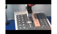scanCONTROL - measurement on different surfaces Video