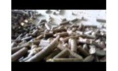 Straw biomass briquetting press machine Video