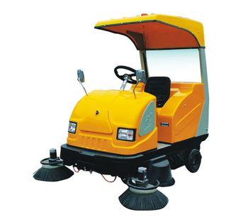 Huaxin - Model SQ3003 - Electric Street Sweeper