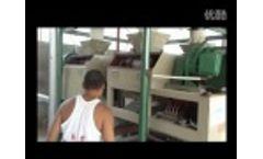 Double Roller Fertilizer Granulating Machine Used in Compound Fertilizer Plant Video