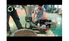 Diesel engine pellet machine working process - Video