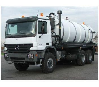 Vacuum Tank Truck