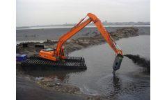 Bell - Model 3-5 Ton Class - Amphibious Excavator