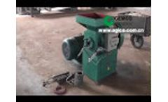 Screw briquetting machine for brequetes making Video