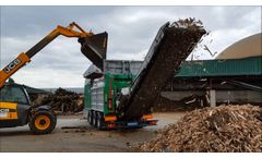 Komptech Crambo 4200 Direct Shreds Palettes and Green Waste Video