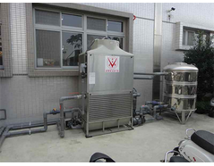 Closed circuit cooling tower with Plastic molding