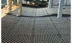 Grid for stabilising drains and trenches