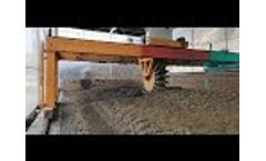Working Process of Popular Poultry Manure Wheel Type Compost Turner - Video