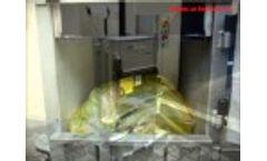 ARTechnic Vertical baler, ARTechnic PBe15 waste press - foil baling Video