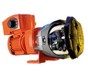 Close-Coupled Industrial Pump with 620RE LoadSure Element Pumphead