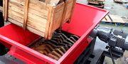 Wood pallet shredder