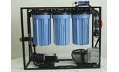 Global-Water - Model EM-60GPH-BAT - Emergency Water Purification Unit