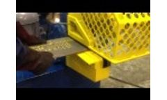 Hydraulic Alligator Shear R.E.S. Model 1600 16 Shear Cutting Plate Demo - Video